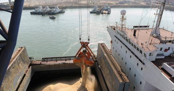 Can India take cargo off its roads and put it back onto rivers?