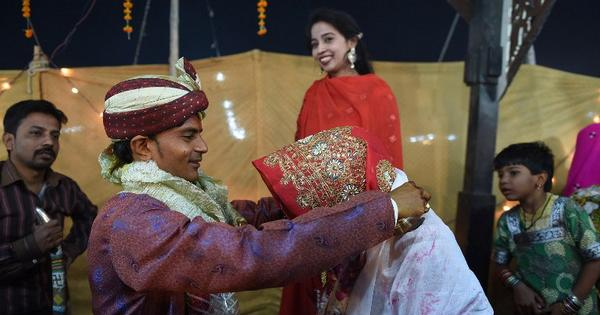 After 67 years, Pakistan set to discuss marriage law for country's Hindus