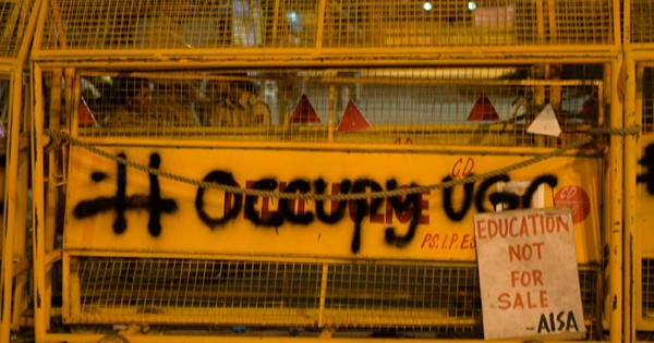 In pictures: Police lathicharge and detain protesting #OccupyUGC students