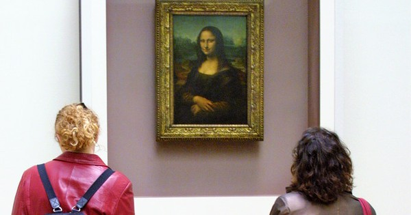 There is a hidden portrait behind the Mona Lisa, claims scientist
