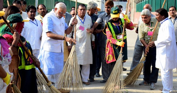 World Bank pledges $1.5 billion to Clean India campaign