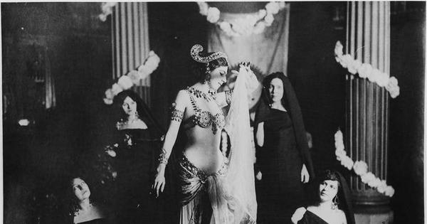 From Mata Hari to Anna Chapman: The world loves a good old sexist honey trap story