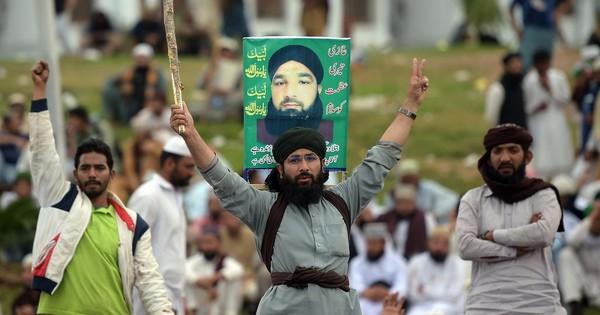 Pro-Qadri protests: Pakistan cannot be a progressive state until it loses its villainous heroes