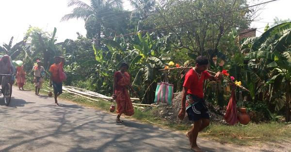 Bengal's Kanwarias: in peak summer, pilgrims carry Gangajal barefoot to the Tarakeshwar Shiv Temple