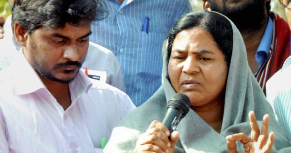 Rohith Vemula's mother, brother convert to Buddhism in Mumbai