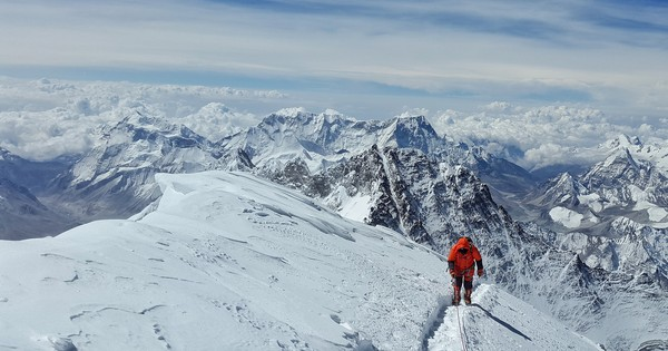 Are extreme physical challenges like climbing Mount Everest tougher on vegans?