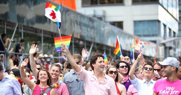 Justin Trudeau does it again, leading the Toronto pride parade in a pink shirt