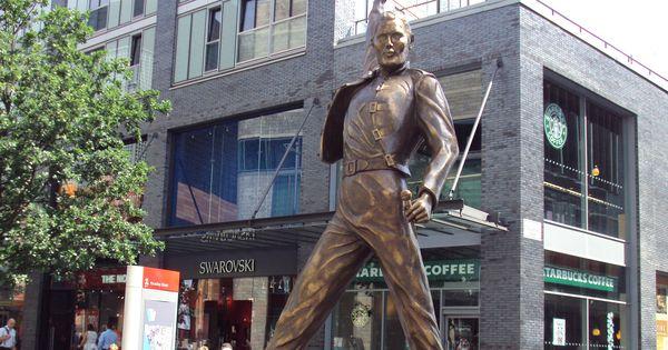 Watch: Queen's Freddie Mercury would have been 70 today