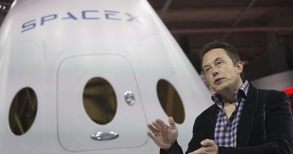 SpaceX tests Raptor, which aims to take humans to Mars by 2024