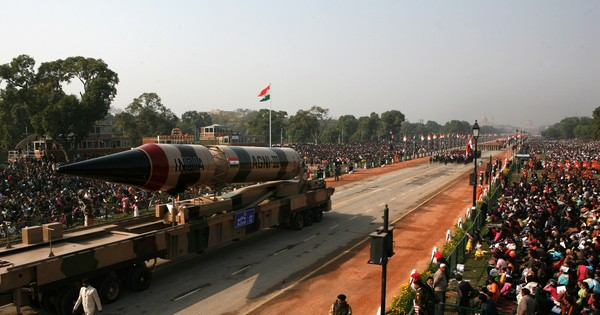 The global cost of a nuclear war between India and Pakistan