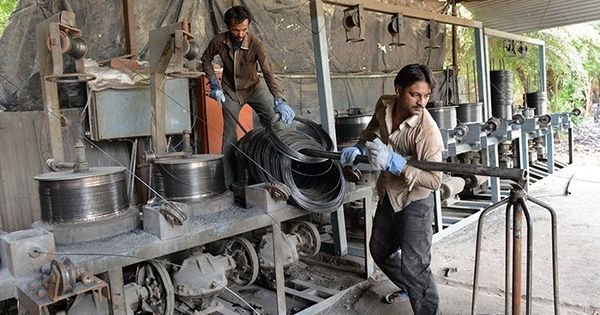 Months after note ban, Centre revives changes to labour law that will affect over 50% of factories