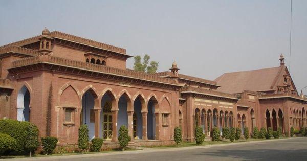 Centre has no plans to remove 'Muslim' and 'Hindu' from AMU, BHU names, clarifies Prakash Javadekar