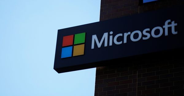 Microsoft says it will not develop new features for Windows phones any more
