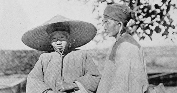 In images: Early 20th century Tibet and Burma, as seen by a pioneering female photographer