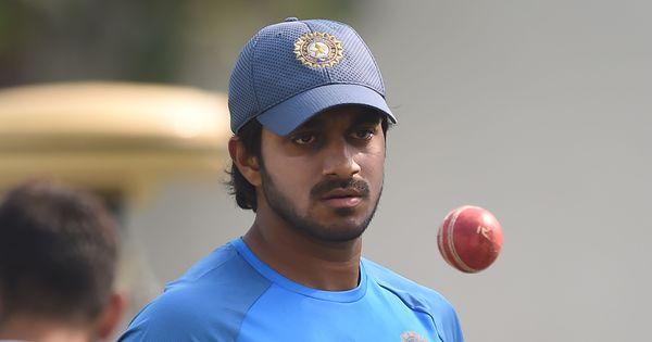 When Dinesh Karthik knocked on Vijay Shankar's door to console him after Nidahas Trophy final