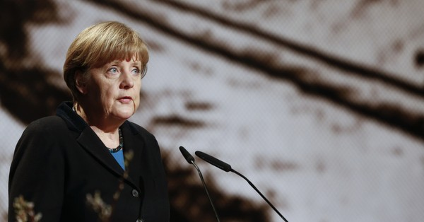 Germany: Angela Merkel strikes a deal with rebel interior minister on border controls