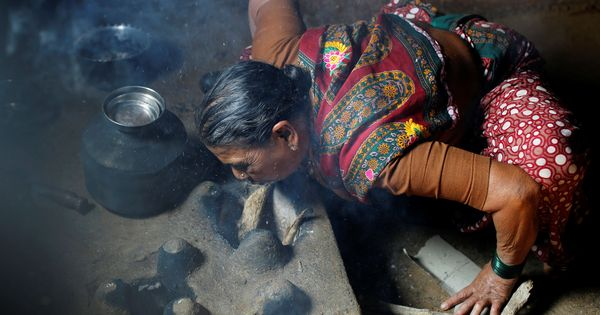 Many Indians reluctant to switch to modern stoves, despite their health and environmental benefits