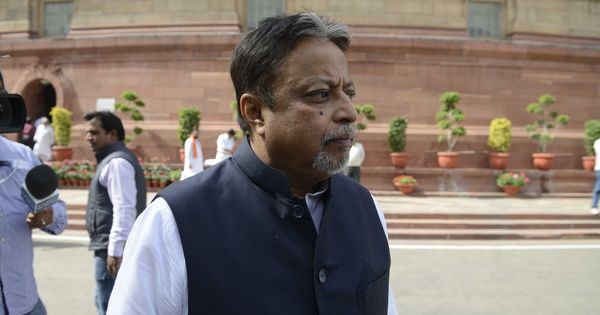 Narada sting case: CBI takes arrested IPS officer to BJP leader Mukul Roy's home, questions them