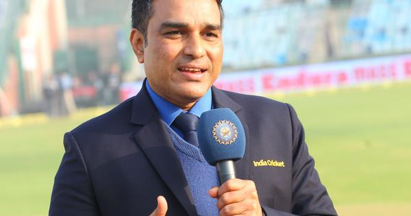 'Plain bullying': Twitter reacts to Sanjay Manjrekar's jibe at Harsha Bhogle during day-night Test
