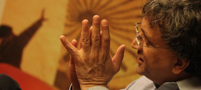 If Gandhi had succeeded in his law career in Bombay, we wouldn't be here talking: Ram Guha on the Jon Stewart show