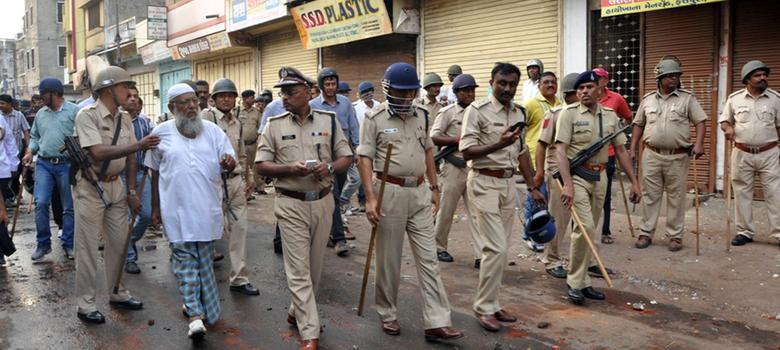 Gujarat police didn't just not prevent Vadodara riots, they provoked them