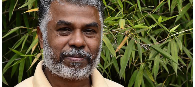 Writers condemn RSS burning of Tamil author Perumal Murugan's book