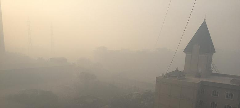 Eastern Mumbai engulfed in smog as day-long fire rages at garbage dumping ground