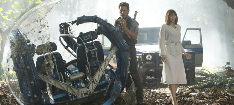 Film review: 'Jurassic World' is an entertaining adventure about humans and dinosaurs in peril
