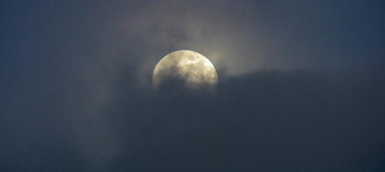 Huge dust cloud discovered around the Moon – but 'lunar glow' remains a mystery