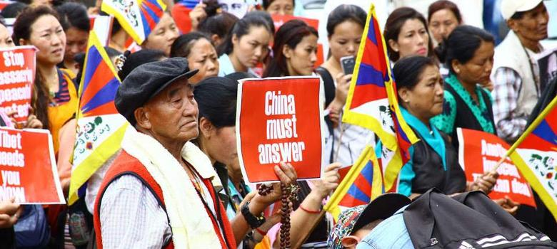The death of a high-profile Tibetan prisoner in China sparks protests in India