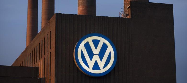 Volkswagen CEO resigns over emissions scandal