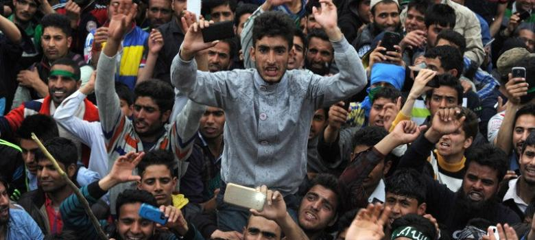 Amid talk of a huge economic package, Kashmir plans a 'million march' against Modi visit