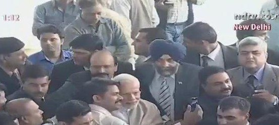 What reporters' selfies with Prime Minister Modi really represent