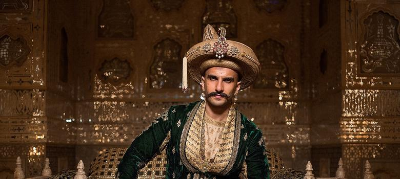 Film review: Ranveer Singh rules the swords-and-dhotis epic 'Bajirao Mastani'