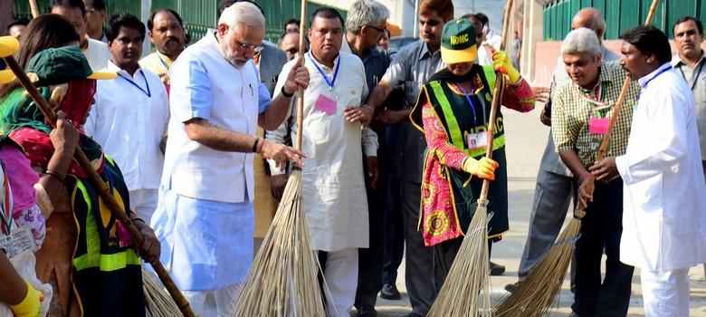 World Bank pledges $1.5 billion to Clean India campaign