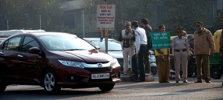 203 people fined for breaking Delhi's odd-even rule on Day 1