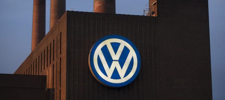 US files multi-billion dollar suit against Volkswagen for emissions scandal