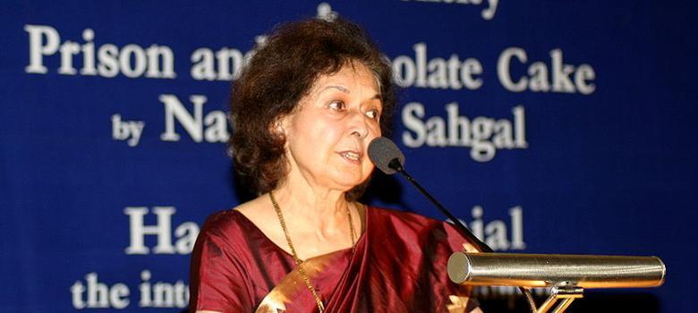 Nayantara Sahgal denies taking back Sahitya Akademi award