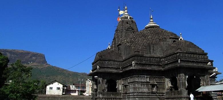 Shani Shingnapur activist Trupti Desai detained in Nashik for trying to enter Trimbakeshwar temple