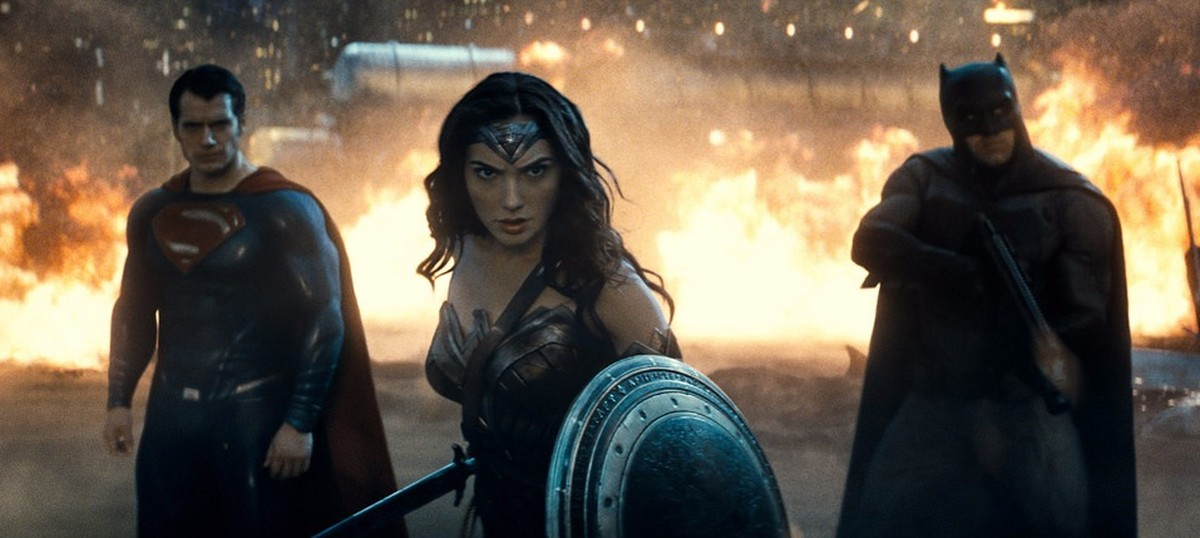 Film review: 'Batman v Superman: Dawn of Justice' plods from one smash-up to the next