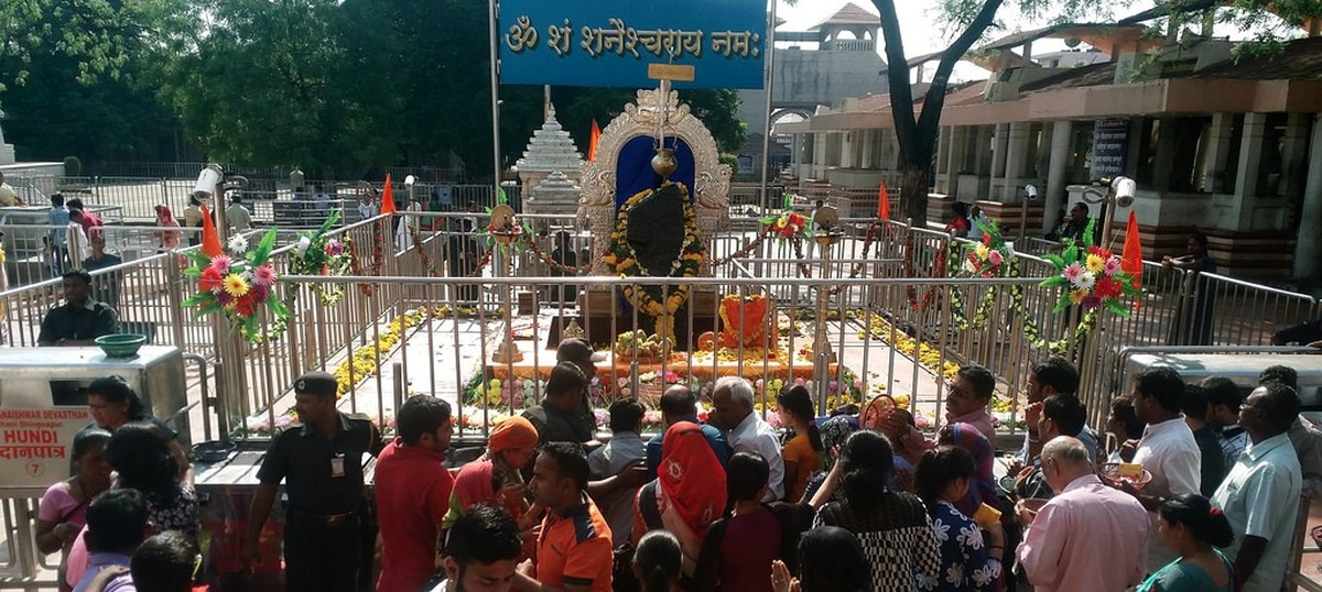 Women offer prayers in inner sanctum of Shani Shingnapur temple after ban is lifted