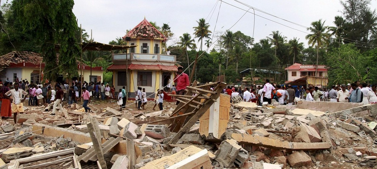 Kollam fire: Kerala HC bans noise-generating fireworks at places of worship in state post sunset