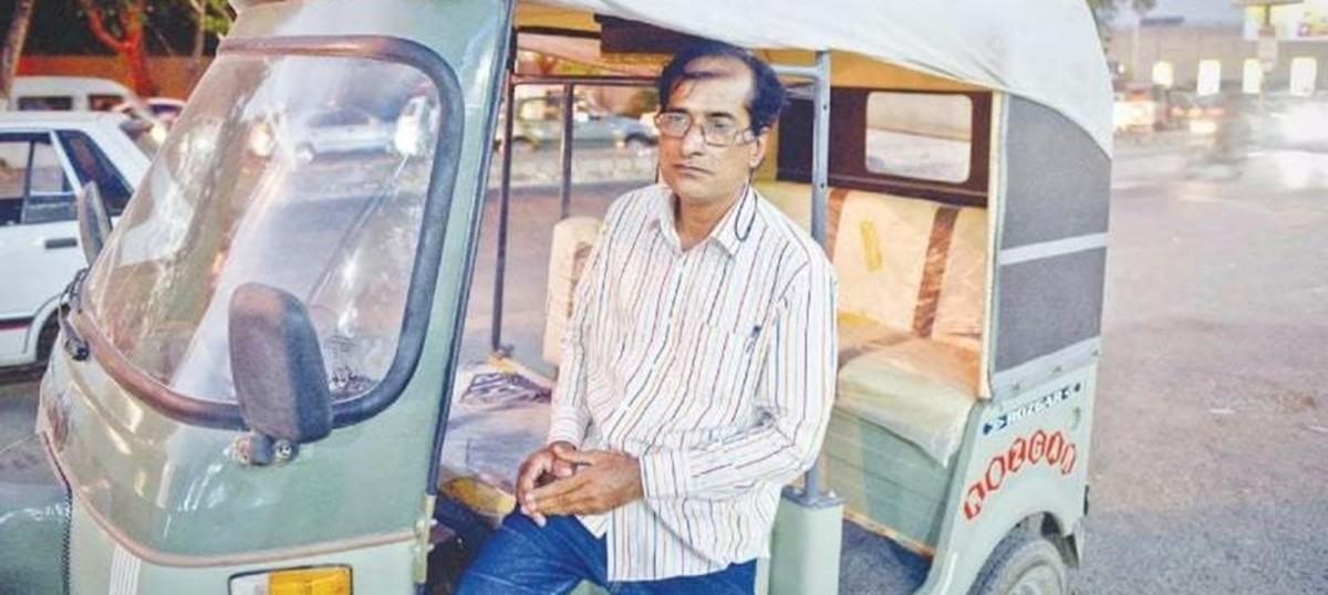 This rickshaw driver is such an ace singer, he got Lata Mangeshkar talking