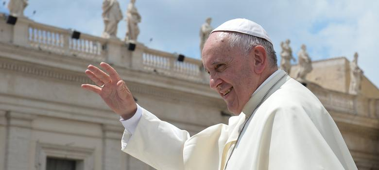 Happiness is not an app that can be downloaded: Pope Francis takes on technology