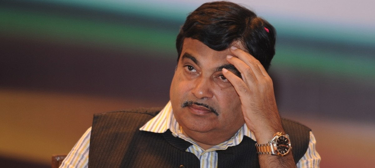 Nitin Gadkari-led delegation meets President, blames LDF for violence in Kerala