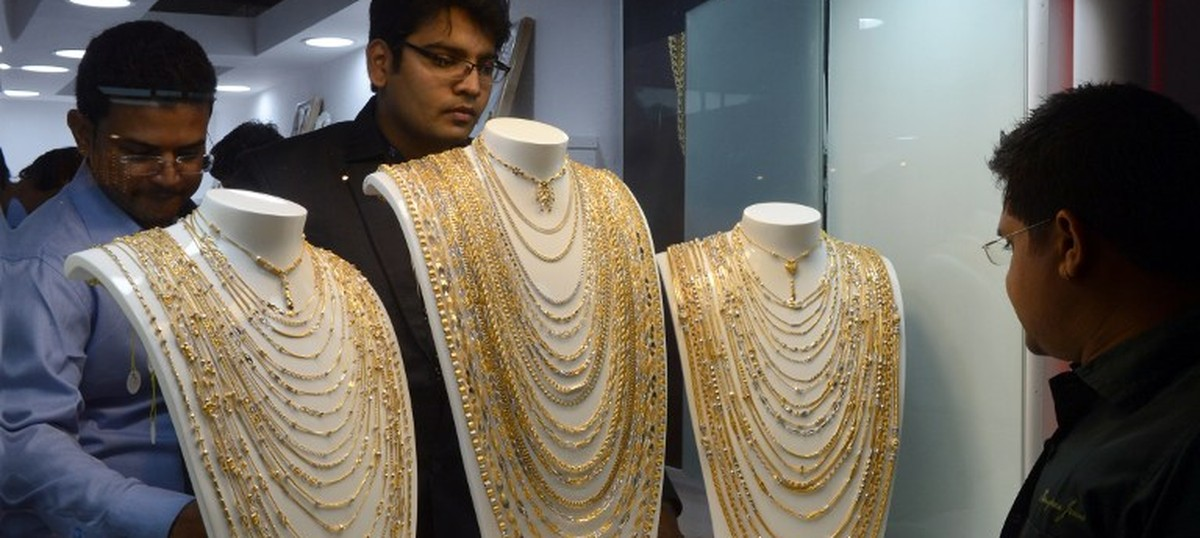 Centre rolls back 1% tax collection at source on purchase of gold jewellery worth Rs 2 lakh or more