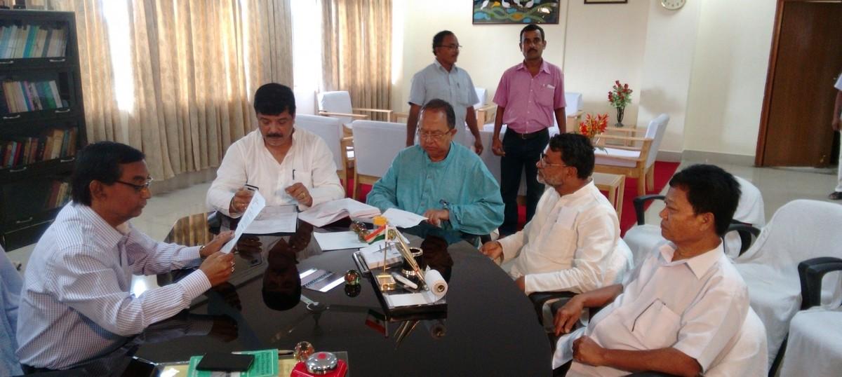 Six Congress legislators join TMC in Tripura
