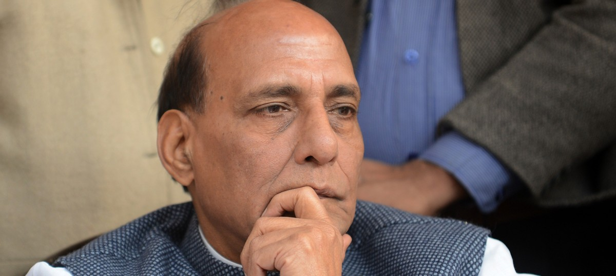 Civic worker's murder: Rajnath Singh convinces Maheish Girri to call off hunger strike