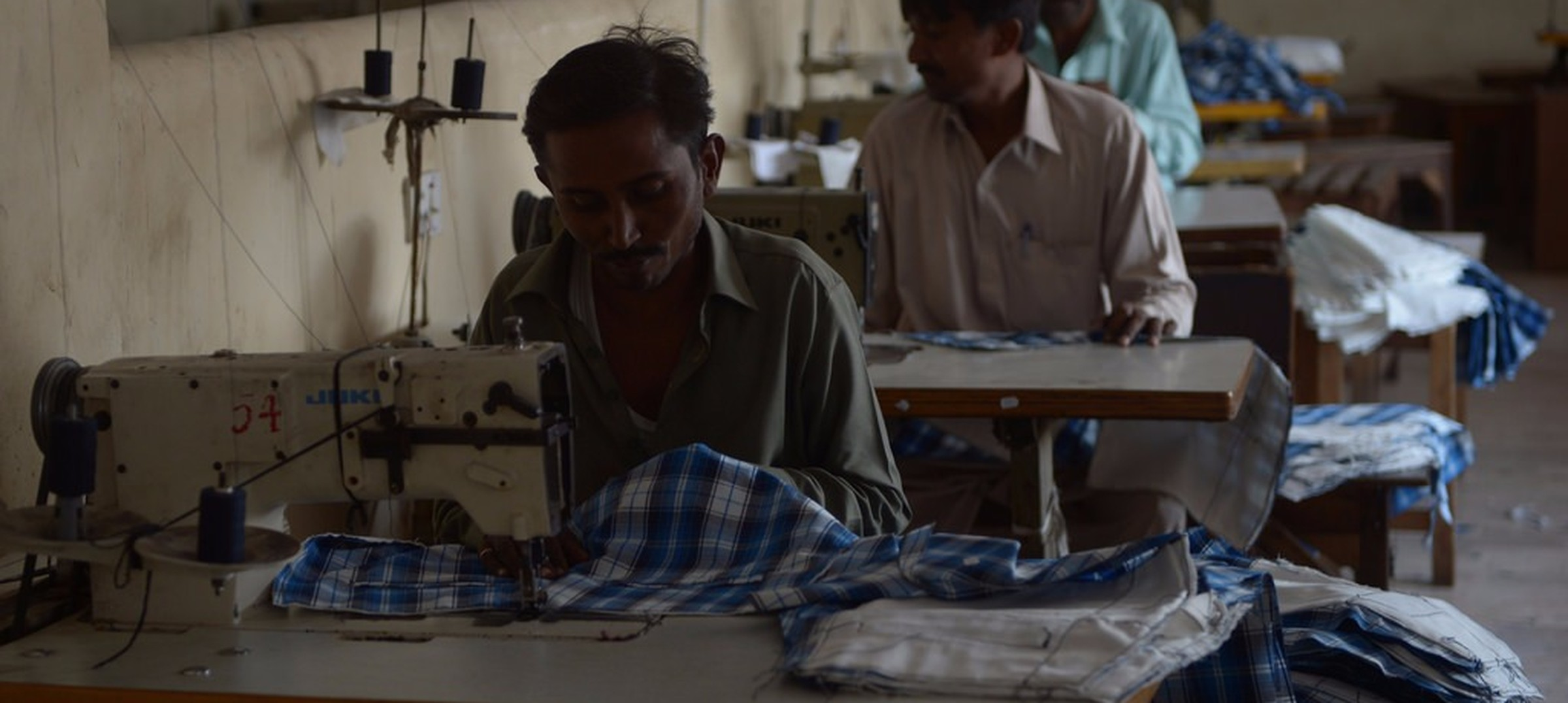 Centre grants Rs 6,000-crore package to textile and apparel sector