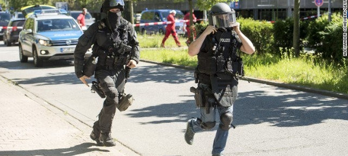 Police shoot dead armed man who opened fire at cinema complex in Germany